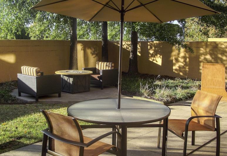 Courtyard By Marriott Bentonville, Bentonville, Terrass