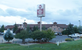 Picture of Best Western Plus Deer Park Hotel & Suites in Craig