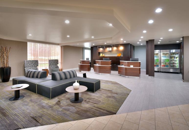 Courtyard by Marriott Charlotte Airport/Billy Graham Parkway, Charlotte, Lobby