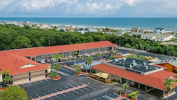 Picture of Days Inn & Suites Amelia Island At the Beach in Fernandina Beach