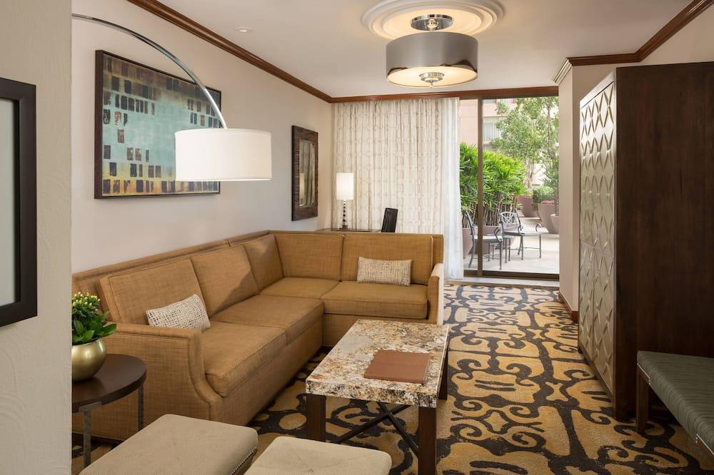 エグゼクティブ スイート キングベッド 1 台 禁煙 テラス (Executive Lounge Access) - リビング エリア