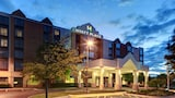 Reserve this hotel in Itasca, Illinois