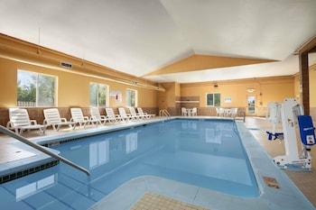 Obrázek hotelu Days Inn & Suites by Wyndham Cedar Rapids ve městě Cedar Rapids