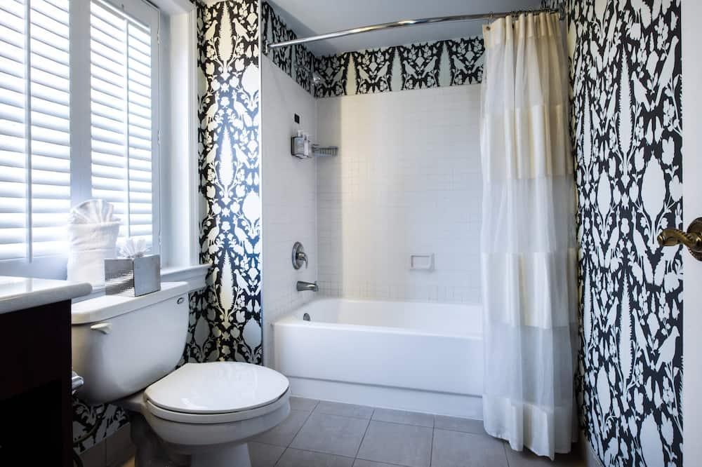 Room, 1 Queen Bed (Robert Johnson) - Bathroom