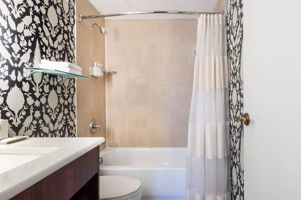 Huone, 2 parisänkyä (Governor Calvert) - Kylpyhuone