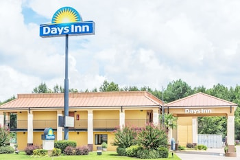 Picture of Days Inn by Wyndham Rayville in Rayville