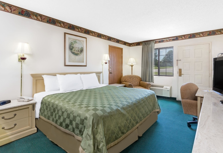 Days Inn by Wyndham Concordia, Concordia, Standard Room, 1 King Bed, Smoking, Refrigerator & Microwave, Guest Room