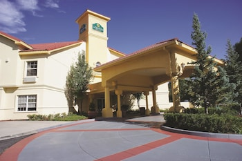 Choose This 2 Star Hotel In Flagstaff