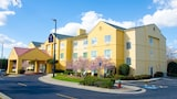 Choose This 2 Star Hotel In Statesboro