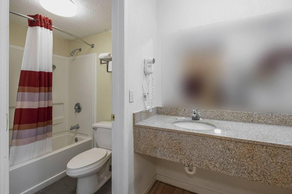 Deluxe-Zimmer, 1King-Bett, barrierefrei, Nichtraucher - Badezimmer