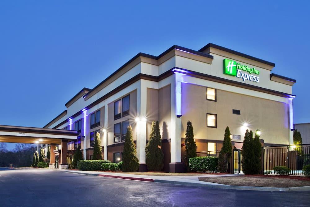 Holiday Inn Express Peachtree Corners - Norcross, an IHG Hotel