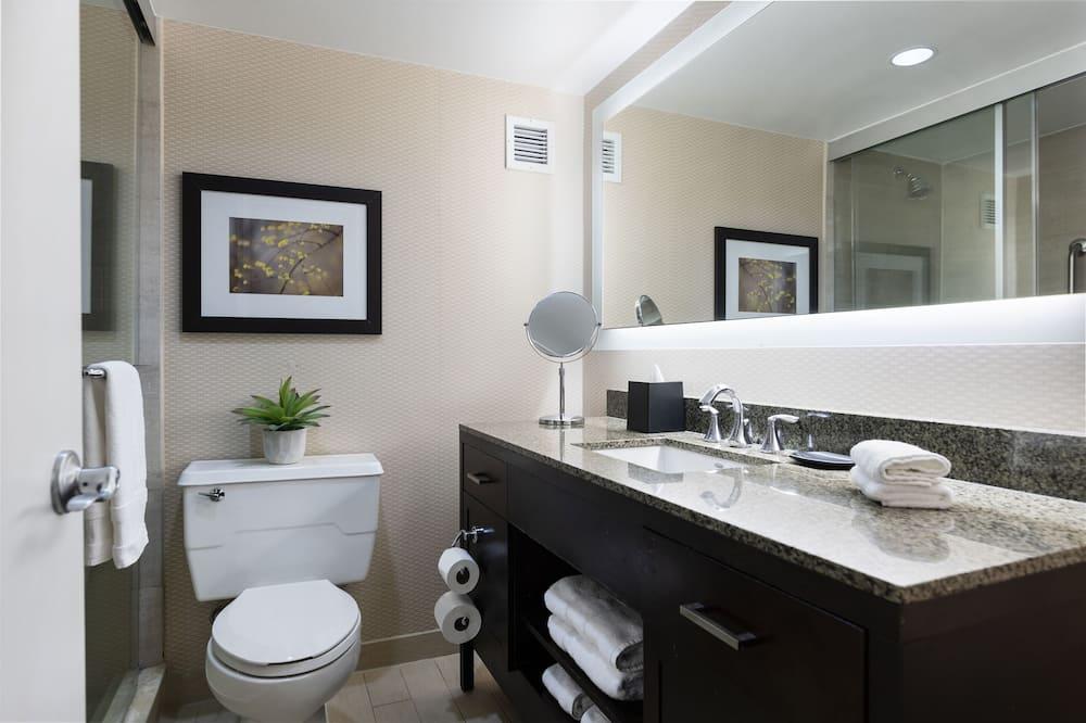 Zimmer, 1King-Bett, Stadtblick - Badezimmer