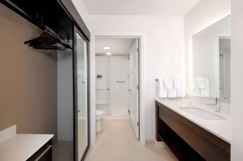 Room, Multiple Beds, Accessible - Bathroom
