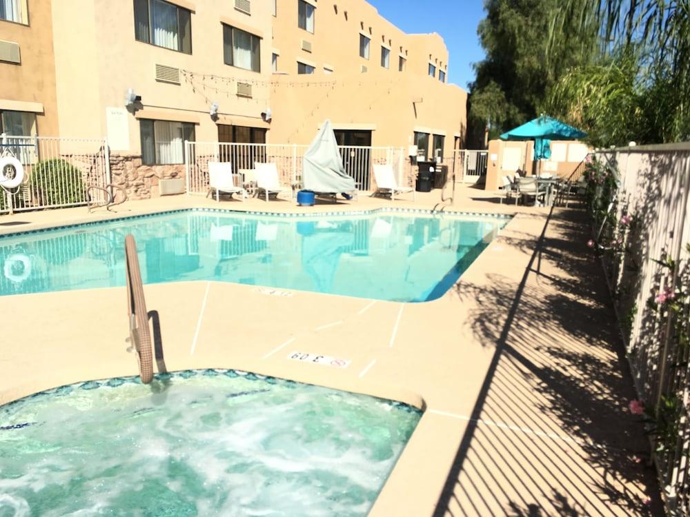 Red Lion Inn Suites Goodyear West Phoenix Pool