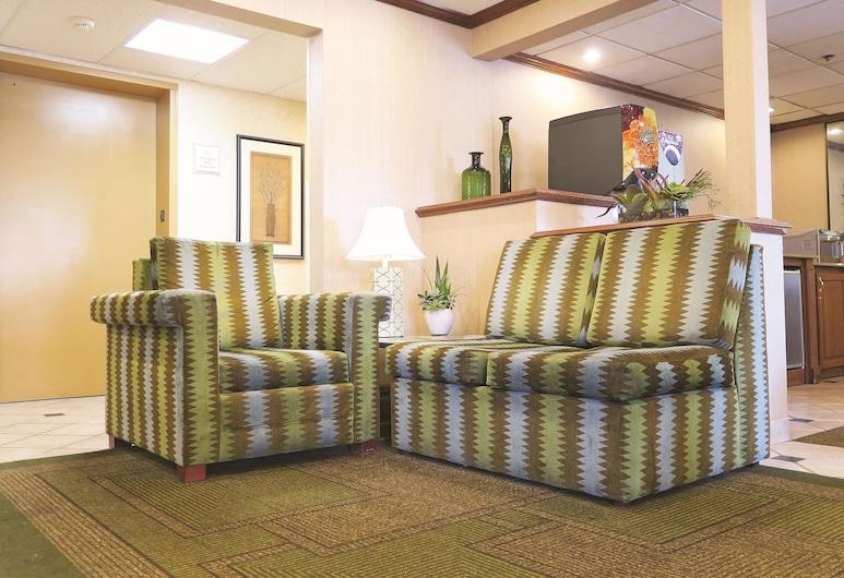 La Quinta Inn by Wyndham Milwaukee Airport / Oak Creek, Oak Creek, Lobby