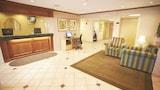Choose This 2 Star Hotel In Oak Creek