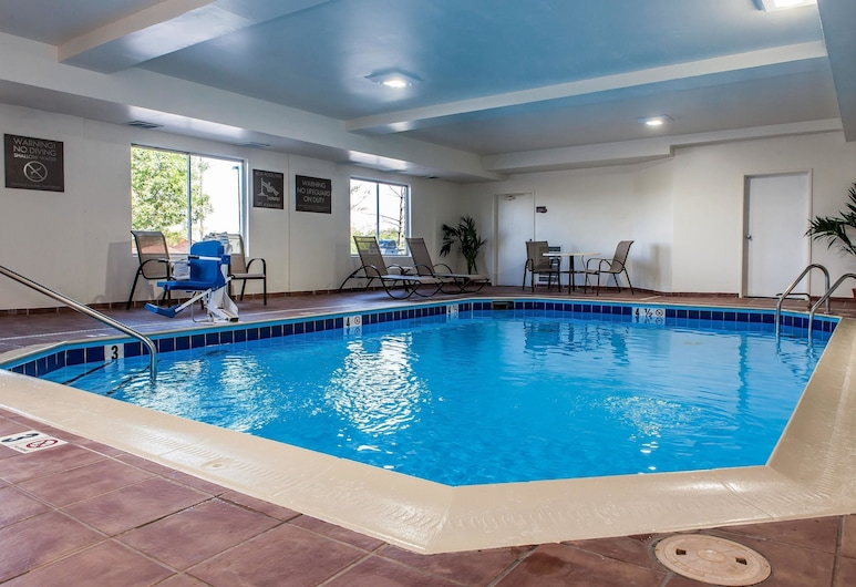 Comfort Inn and Suites, Mount Sterling, Pool
