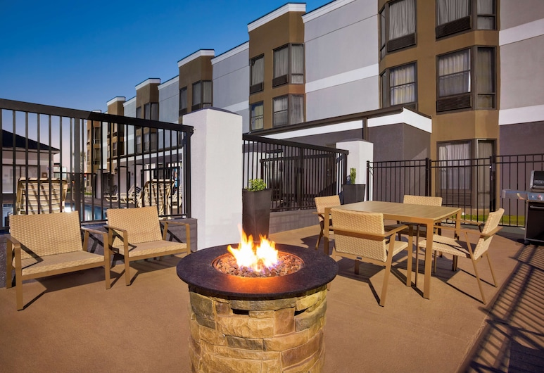 Country Inn & Suites by Radisson, Florence, SC, Florence, Terras