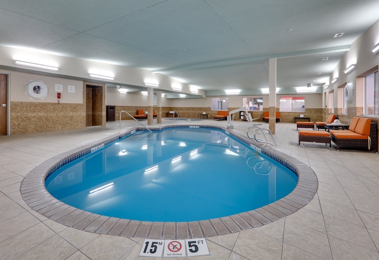 Holiday Inn Express Hotel & Suites Scottsbluff-Gering, Scottsbluff, Pool