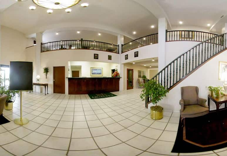 Days Inn & Suites by Wyndham Hickory, Hickory, Lobby
