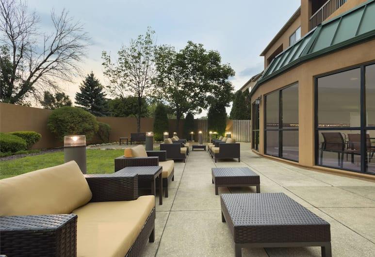 Courtyard by Marriott Akron Fairlawn, Akron, Terassi/patio