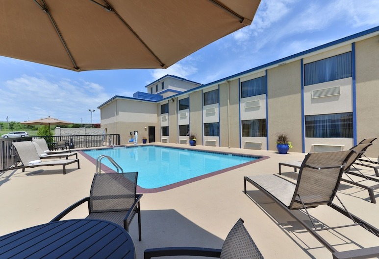 Boarders Inn & Suites by Cobblestone Hotels - Ardmore, Αρντμόρ, Εξωτερική πισίνα
