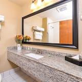 Apartmán, 1 extra veľké dvojlôžko, nefajčiarska izba - Kúpeľňa