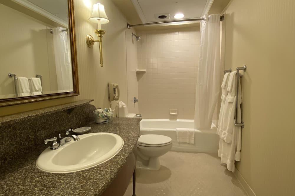 客房, 2 張標準雙人床 (Preferred) - 浴室