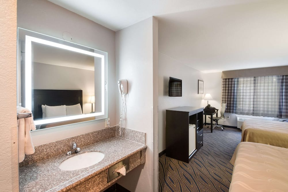 Chambre Standard, 2 grands lits, non-fumeurs - Salle de bain