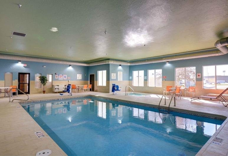 Holiday Inn Express & Suites - North Platte, North Platte, Indoor Pool