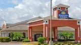 Choose This Days Inn Hotel in Corpus Christi - Online Room Reservations