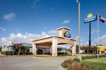 Foto van Days Inn & Suites by Wyndham Corpus Christi Central in Corpus Christi