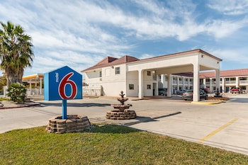 Picture of Motel 6 San Marcos, TX - North in San Marcos
