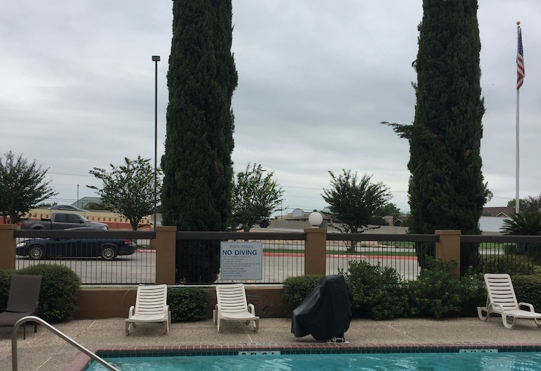 Baymont by Wyndham New Braunfels, New Braunfels, Outdoor Pool
