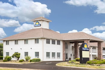 Picture of Days Inn by Wyndham Ocean Shores in Ocean Shores