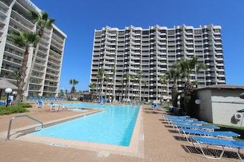 תמונה של Royale Beach and Tennis Club, a VRI resort בסאות פדרה איילנד