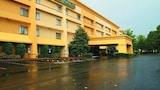 Choose This La Quinta Inn Hotel in Franklin - Online Room Reservations