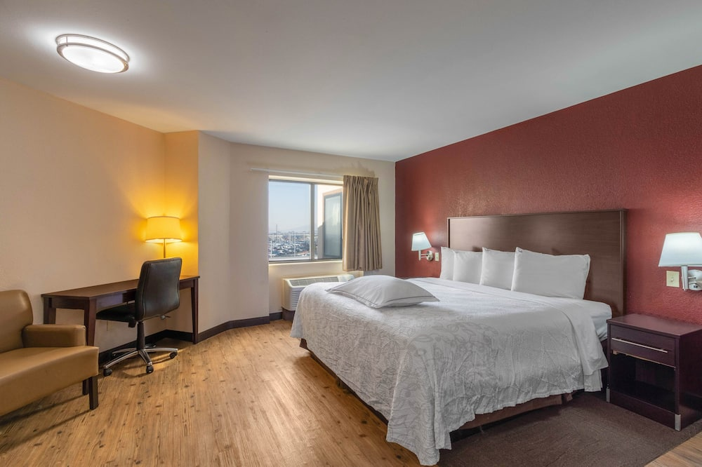 Premium Room, 1 King Bed, Accessible (Upgraded Bedding & Snack, Smoke Free) - Guest Room