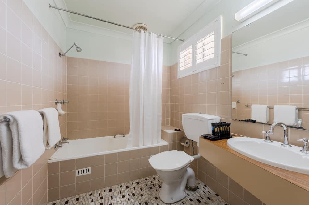 Premium Family Room - Bathroom