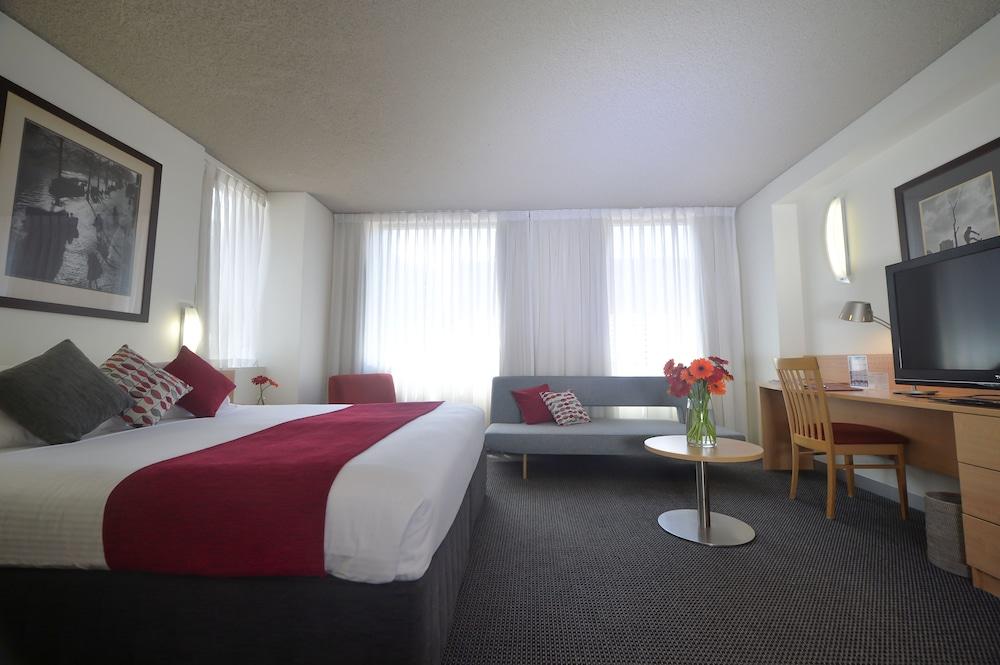 Crossley Hotel Melbourne, Melbourne