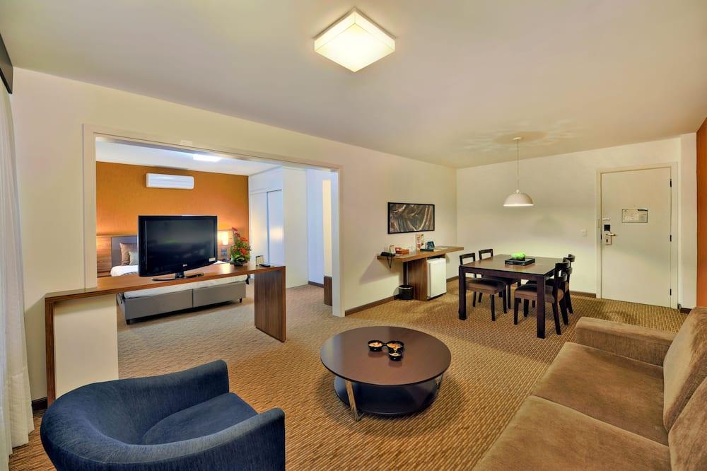 غرفة ديلوكس - سرير كبير - لغير المدخنين - غرفة معيشة