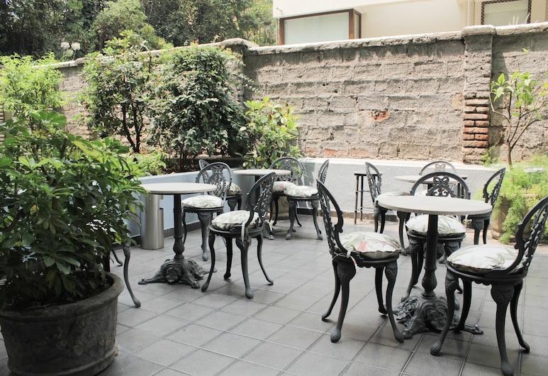 Hotel Leonardo da Vinci, Santiago, Terasa/trijem