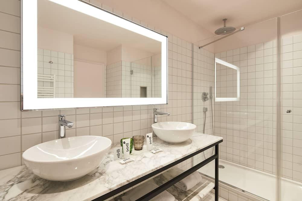 Double Room, 1 Double Bed (Medium Mama) - Bathroom
