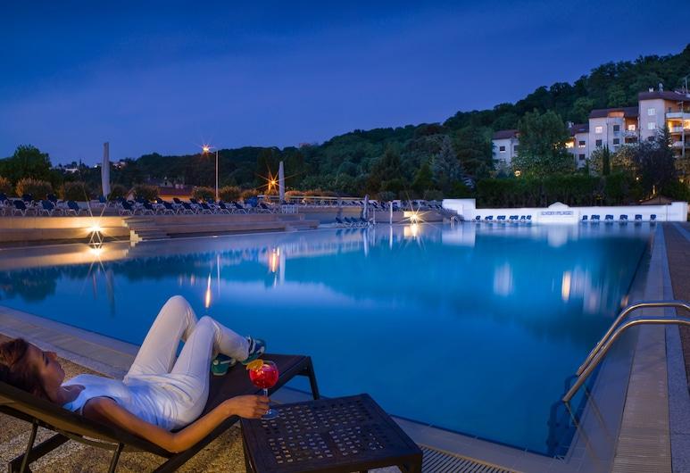 Hotel Lyon Métropole, Lyon, Outdoor Pool