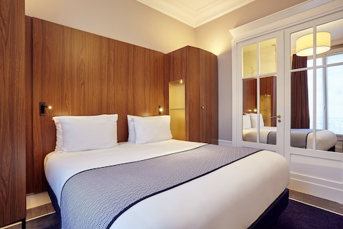 Holiday Inn Paris Gare De Lyon Bastille Paris France Paris Hotel Discounts Hotels Com