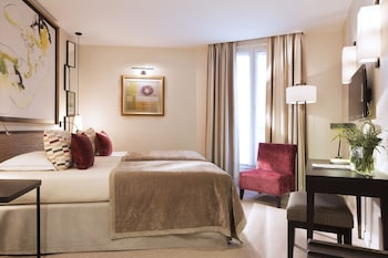 Picture of Hotel Balmoral - Champs Elysees in Paris
