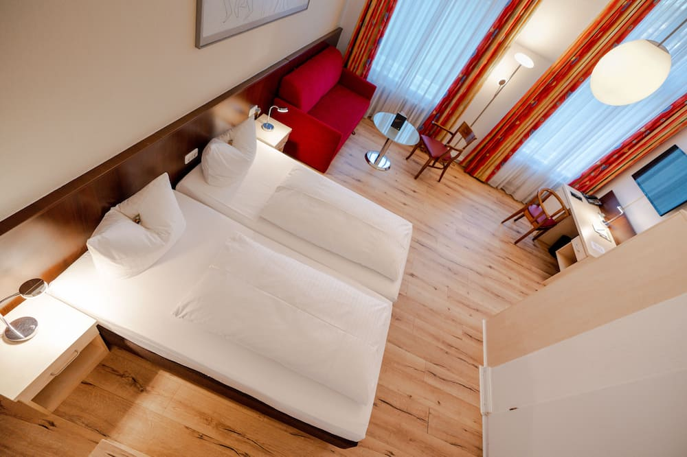 Comfort Double Room, 1 Double or 2 Twin Beds - Living Area