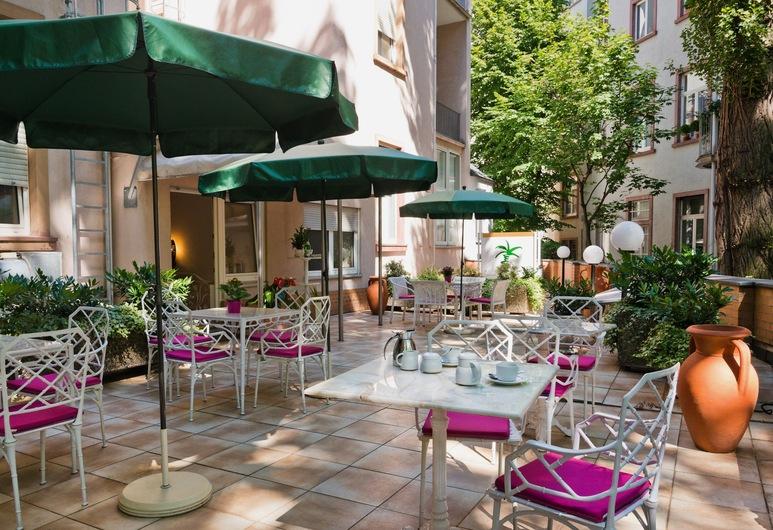 Hotel Palmenhof, Frankfurt na Majni, Vrt