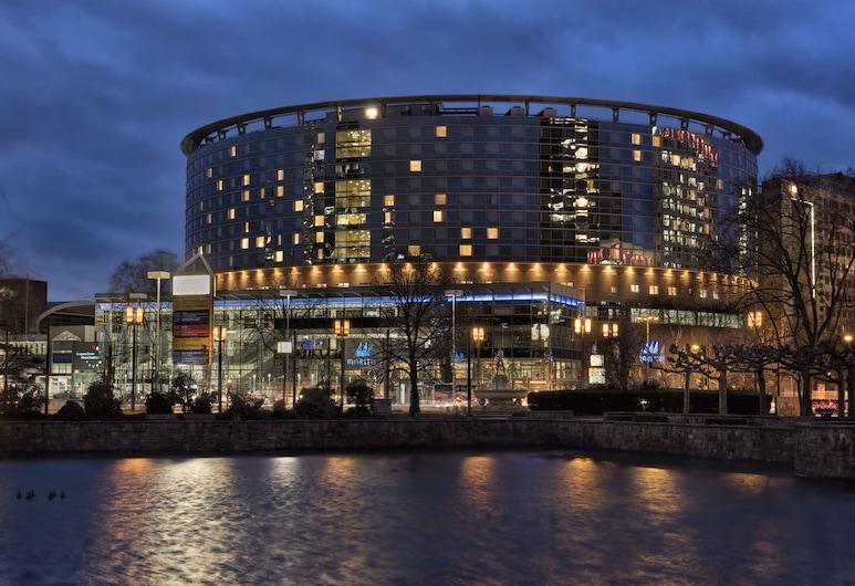Maritim Hotel Frankfurt, Frankfurt, Hotelfassade am Abend/bei Nacht