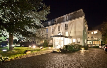 Mynd af Novum Hotel Silence Garden Köln-Brück í Cologne